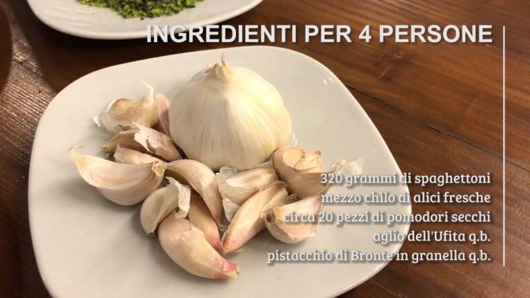 """Pane&Rosmarino n°4 – """"Spaghettoni alle alici, con pomodori secchi e pistacchi"""""""