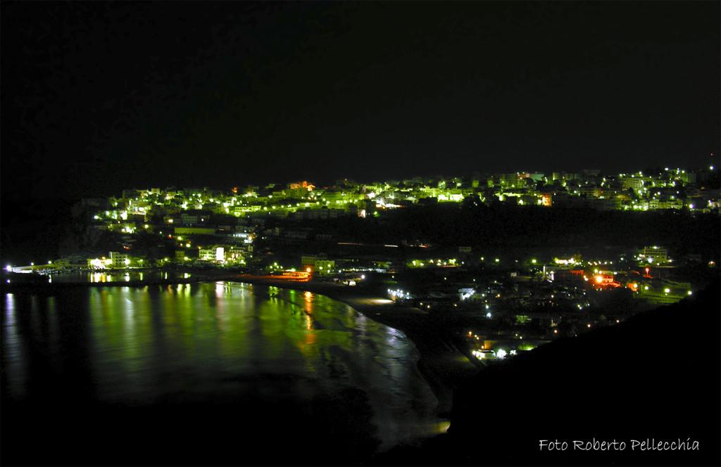 Peschici, panorama notturno