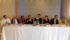 Foto tavolo relatori