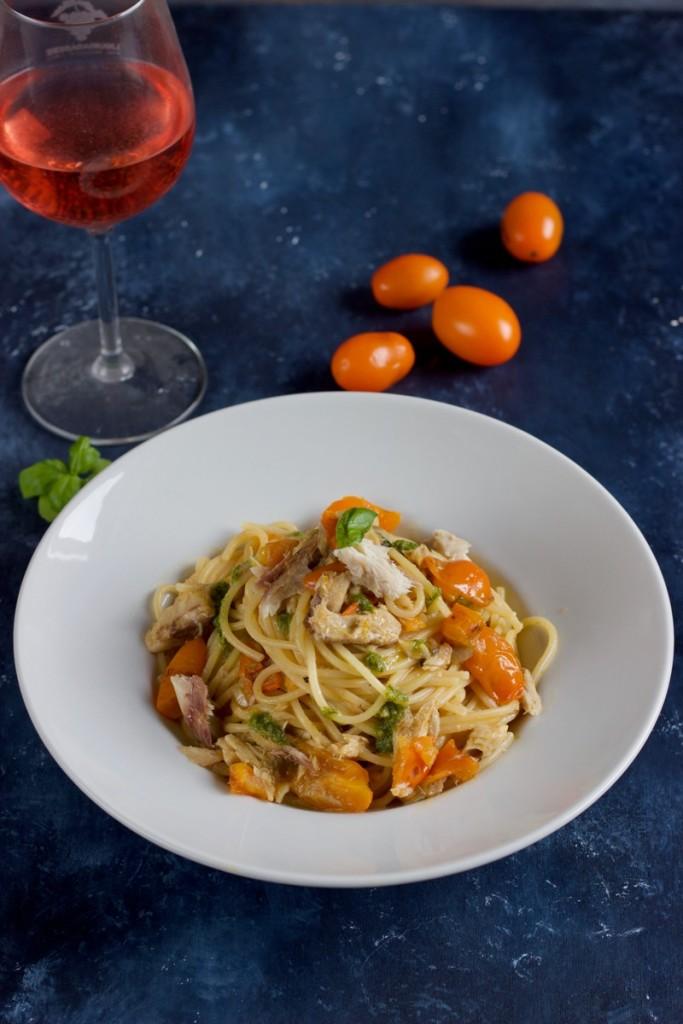 Spaghetti-con-sgombro-e-pomodorini-gialli_Monica-Chiocca_4